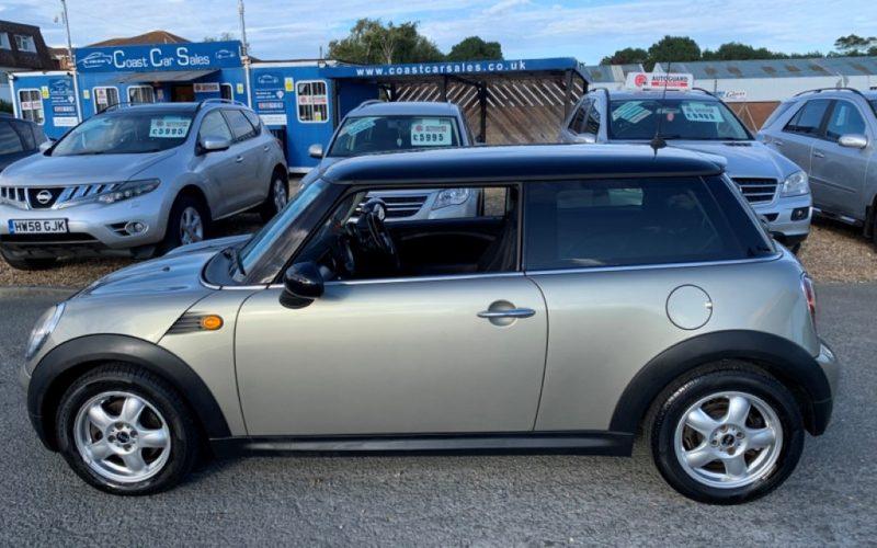 mini-hatch-2008-5886226-11_800X600