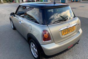 mini-hatch-2008-5886226-6_800X600