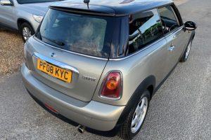 mini-hatch-2008-5886226-7_800X600