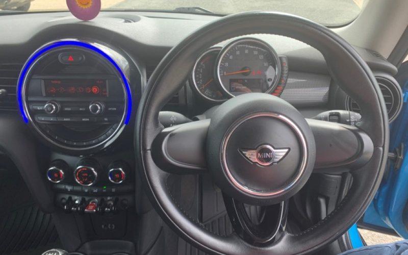 mini-hatch-2015-5906863-11_800X600