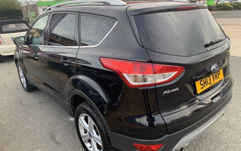 ford-kuga-2013-5946502-8_800X600