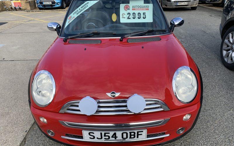 mini-convertible-2004-5954797-11_800X600