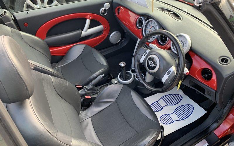 mini-convertible-2004-5954797-7_800X600