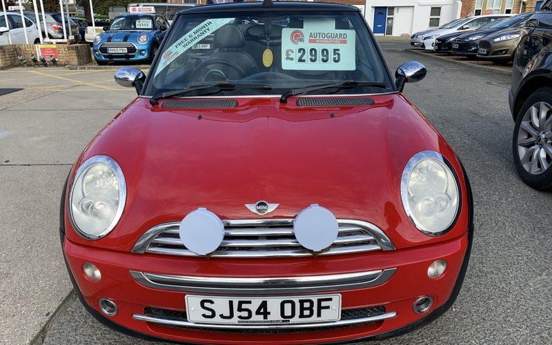 mini-convertible-2004-5954797-8_800X600