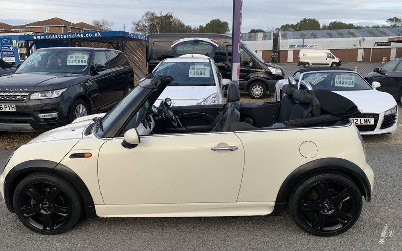 mini-convertible-2007-5946031-15_800X600