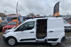ford-transit-connect-2017-6018562-10_800X600