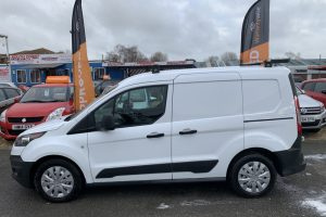 ford-transit-connect-2017-6018562-11_800X600