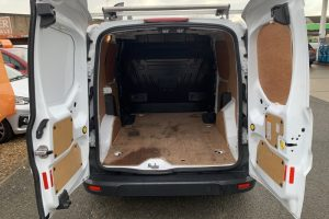 ford-transit-connect-2017-6018562-6_800X600