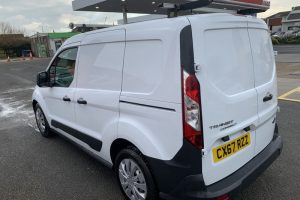ford-transit-connect-2017-6018562-8_800X600