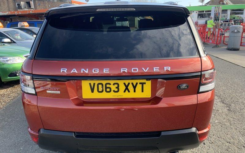 land-rover-range-rover-sport-2013-6084766-10_800X600