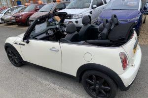 mini-convertible-2008-6096070-6_800X600