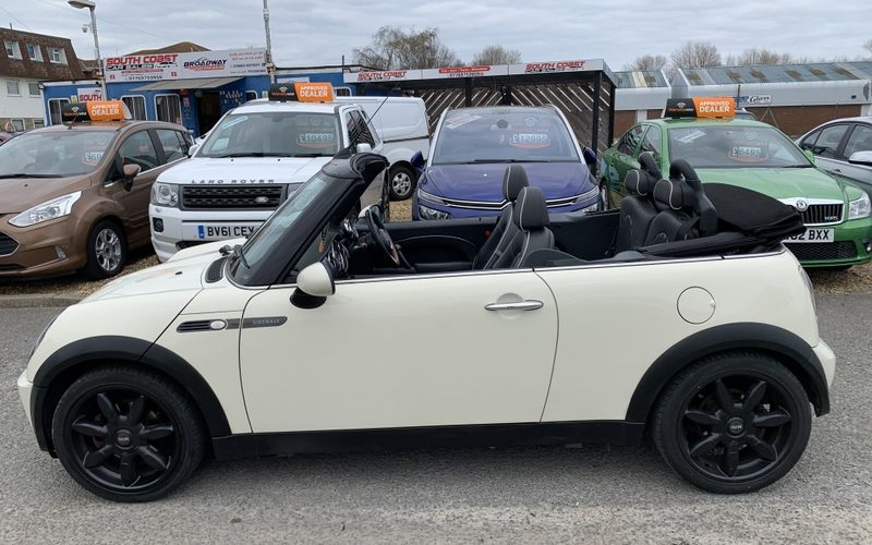 mini-convertible-2008-6096070-9_800X600