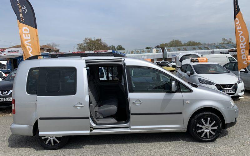 volkswagen-caddy-maxi-2008-6147241-16_800X600