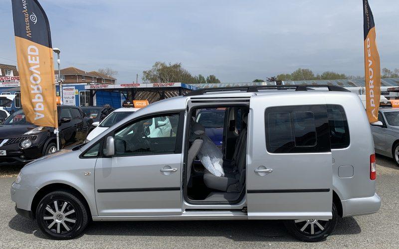 volkswagen-caddy-maxi-2008-6147241-2_800X600